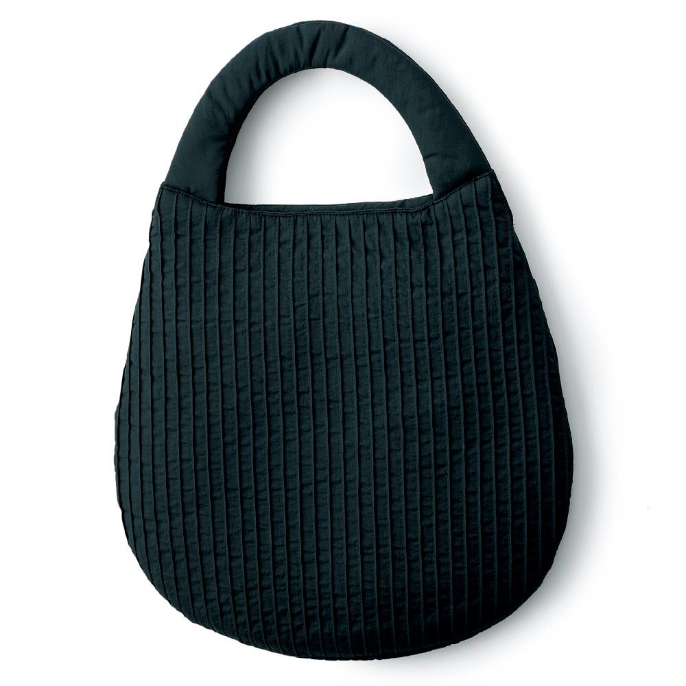 ピンタックオーバル型バッグ